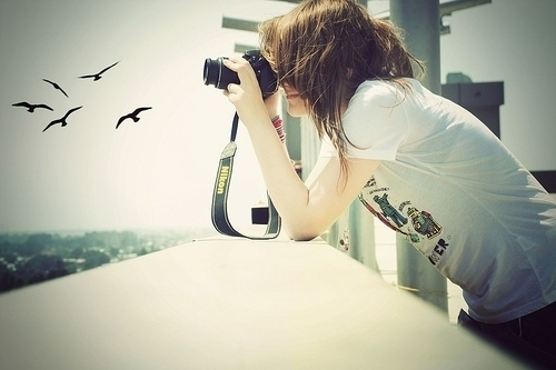 Girl-happy-hipster-love-nikon-photo-Favim.com-102801_large